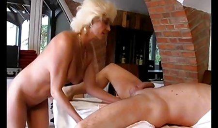 સુંદર છોકરી વિર્ય નીકાળવુ સુંદર મોમ porn