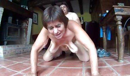સુંદર છોકરી ભયાનક porn મોટા બોબલા વાળી મહિલા પર fucked એક જાહેર મંચ