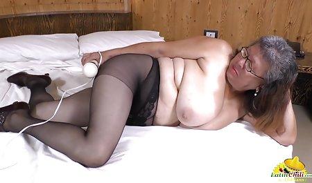 જુલિયા સુંદર પોર્નો મેરી