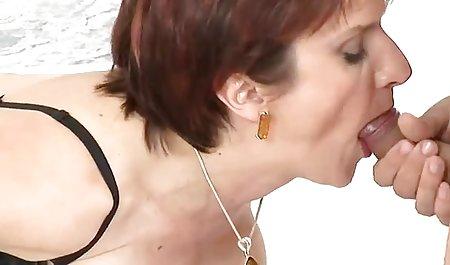 સુંદર રાંડ પ્રેમ કરે છે ત્યારે તેના બોસ Fucks તેના હાર્ડ અને ખરબચડી krassiviy seks