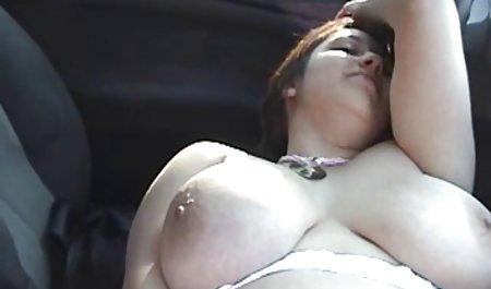 મીઠી અને માત્ર 18 પ્રયાસ કરે છે તેના સુંદર હાર્ડ porn પ્રથમ મોટો કાળો લોડો!