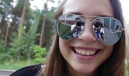ભાઈ પડેલા લિટલ બહેન માં સ્નાન અને વાહિયાત શીલભંગ સુંદર એચડી માટે લલચાવવું